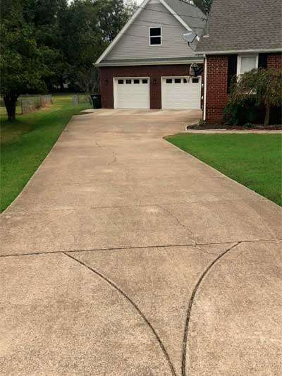 Concrete-Driveway-Cleaning-before5